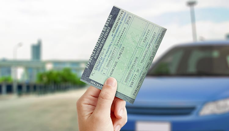 Detran-RJ muda regras para a retirada de veículos apreendidos que estão com o Imposto atrasado